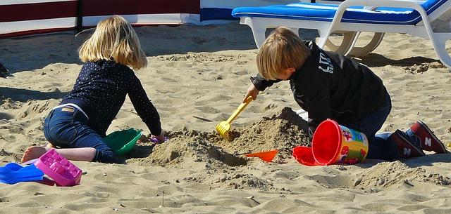 niños playa